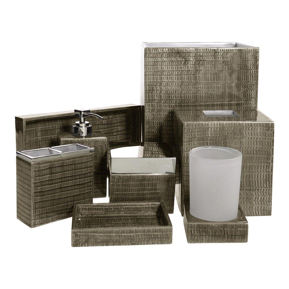 Bath accessories canada for Bathroom decor canada